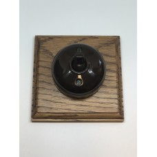 Single 2 way Bakelite switch on square pattress