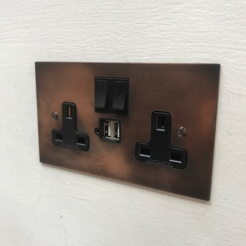 Double 13A switch socket USB