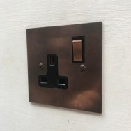 Single 13A switched socket